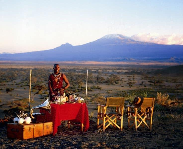 Brunch i det fri med Kilimanjaro som bakteppe